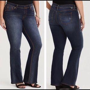 EUC Torrid Source Of Wisdom Bootcut Jeans Size 24